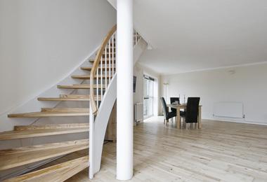 escalier sur mesure. Black Bedroom Furniture Sets. Home Design Ideas